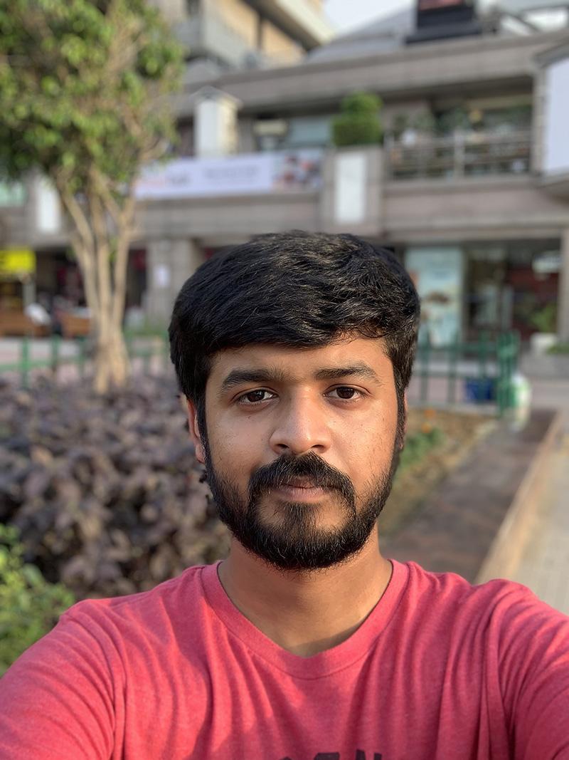 iPhone XS Front Portrait 1