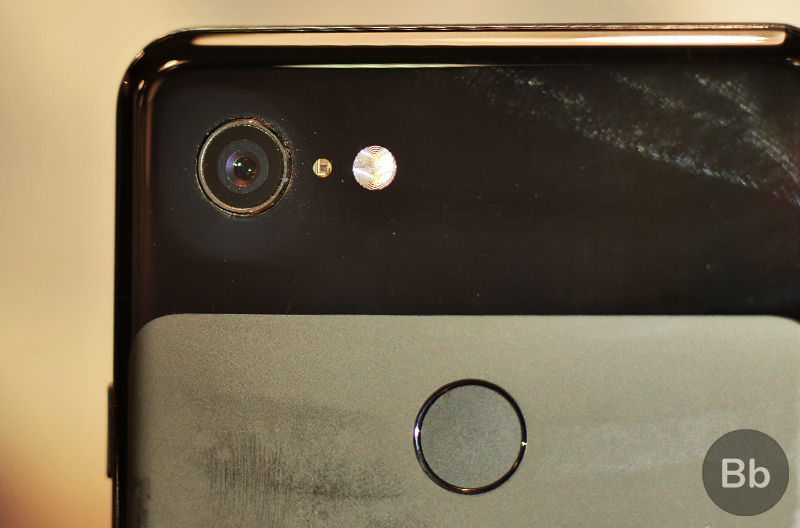 'Gap Gate' and 'Smudge Gate' Put Pixel 3's Durability in Question
