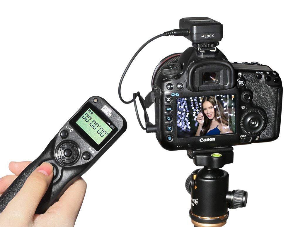 12 Great DSLR Accessories for Beginning Photographers