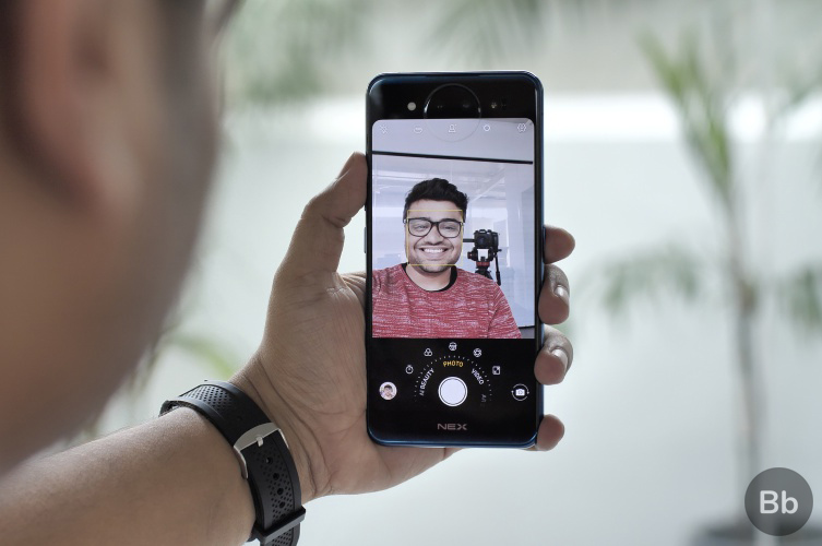 Vivo NEX Dual Display Edition Selfie - rear display copy