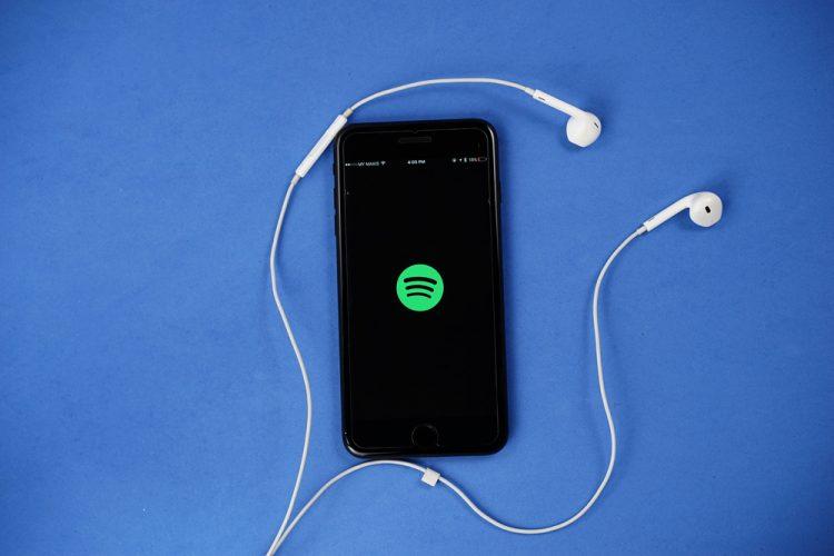 Creativity Apple Music hits 60 million paid subscribers
