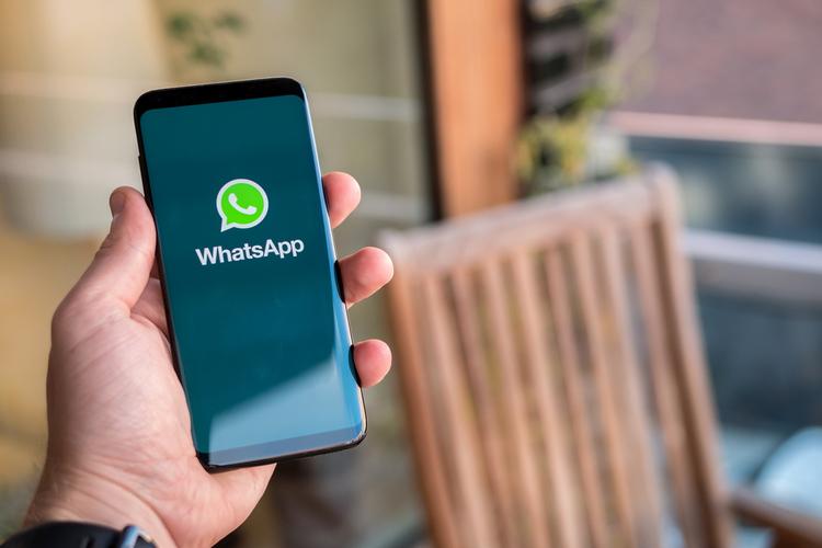 WhatsApp Logo shutterstock website