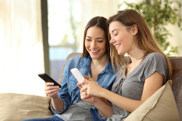 Wireless sharing phone shutterstock website