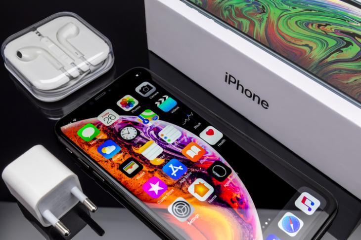 iPhone XS Max shutterstock website