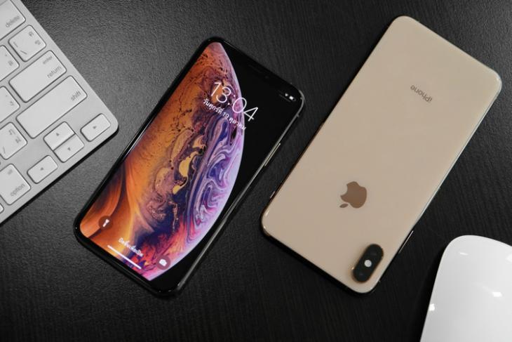 iPhone XS XS Max shutterstock website