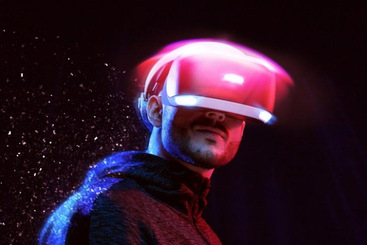 8 Best VR Games You Can Play Without a Controller