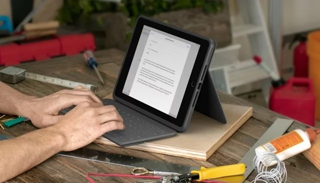 Logitech-Rugged-Folio-for-iPad-7