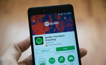 Spotify Android app adds seekable progress bar in notifications on Android 10