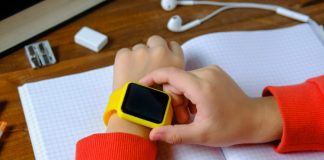 10 Best Apple Watch Alternatives for Kids in 2020