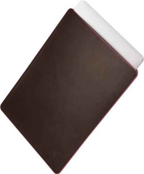 Caison leather sleeve