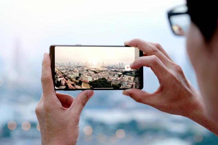 Sony 2x2 OCL technology for mobile image sensor - Camera Phone shutterstock website