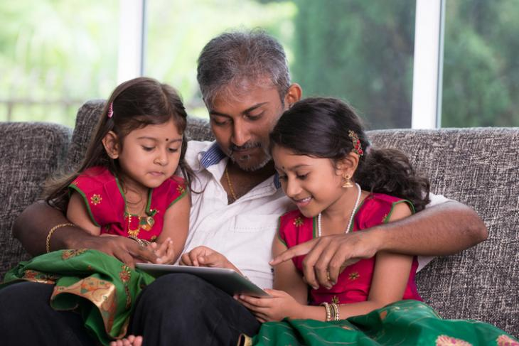 India Internet Kids shutterstock website8