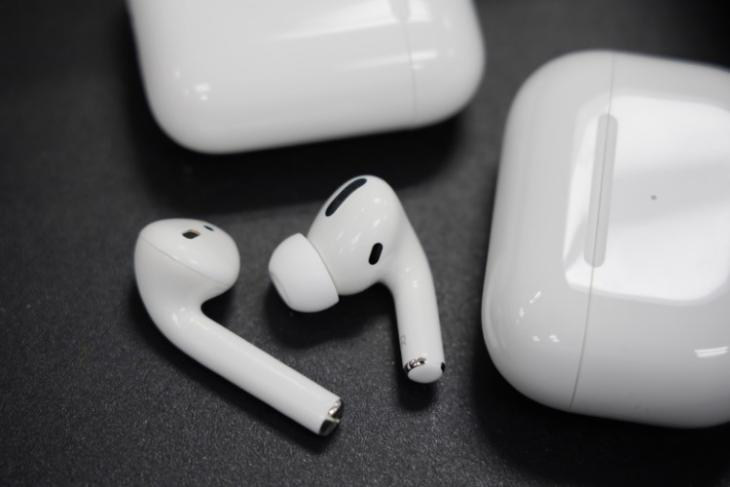 5 Best AirPods and AirPods Pro Waterproof Cases You Should Buy
