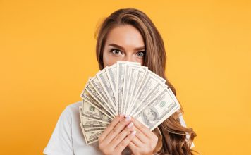 People in Their 20's Are More Likely to Cash out Personal Data