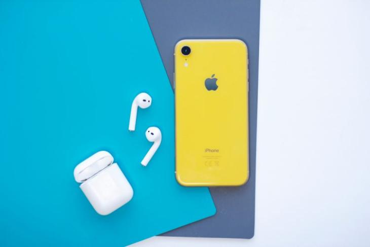 Apple could bundle Airpods with next iphone