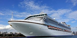 Japan Gives 2000 iPhones to Passengers on Diamond Princess Cruise Ship