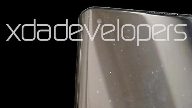 Motorola One 2020 display