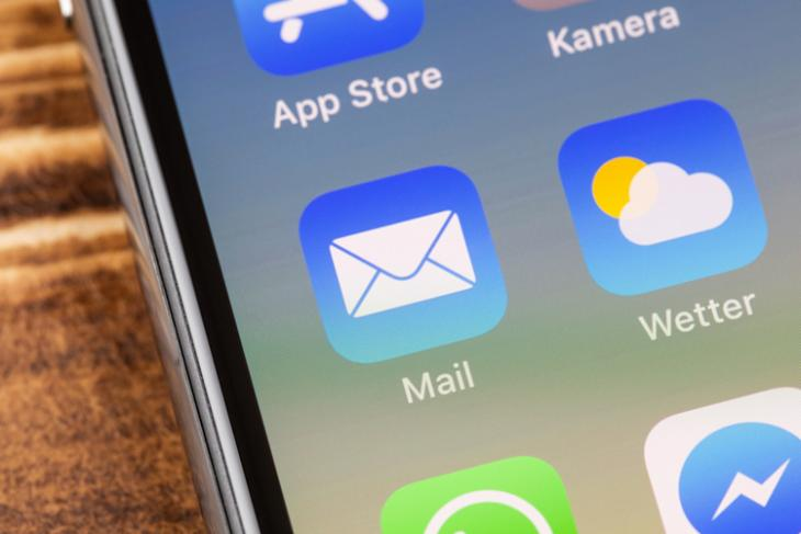 Mail App iPhone shutterstock website