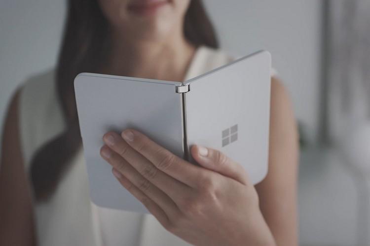 Microsoft Surface Duo camera feat.