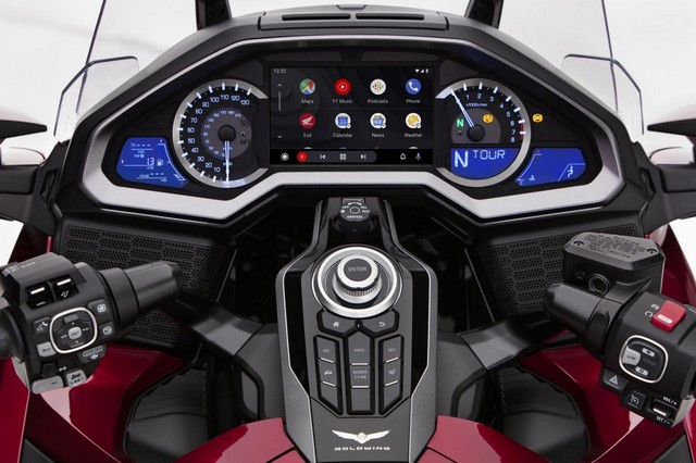 Gold Wing Android Auto 1