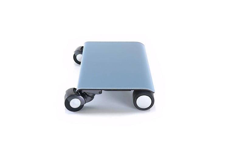 Walkcar是看起来像笔记本电脑的电动滑板