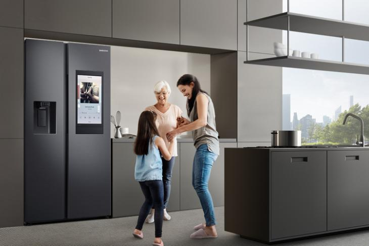 Samsung Launches SpaceMax Family Hub Refrigerator in India at Rs.2,19,900