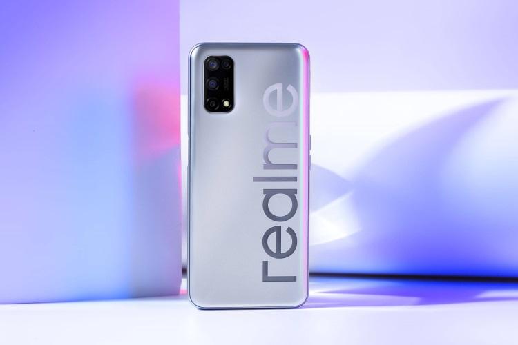 realme v5 design and camera