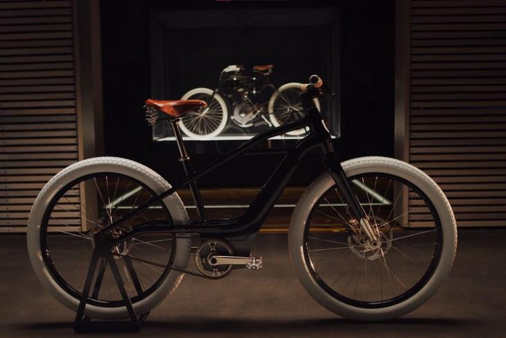 Harley davidson e-bike serial feat.
