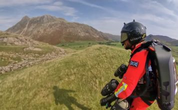 UK testng jet suit for rescue feat.