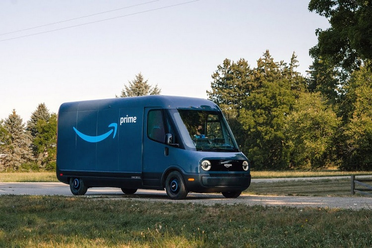 Amazon Unveils Its First Custom Electric Delivery Vehicle