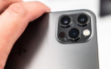 iphone 12 pro blind accessibility feature
