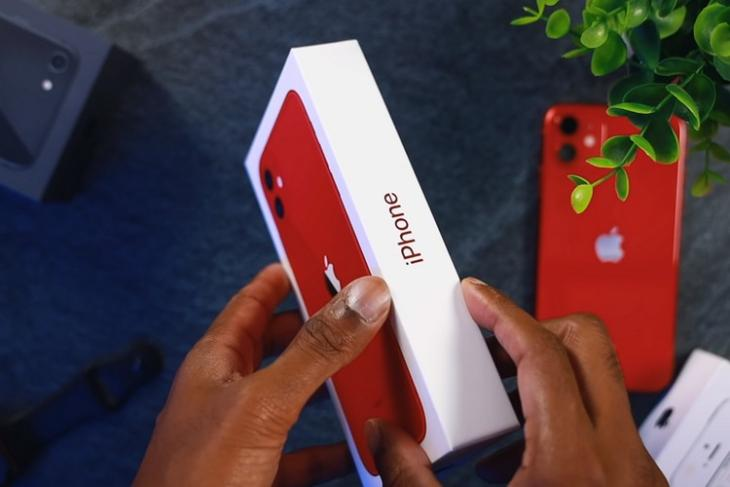 video shows new iPhone-box feat.