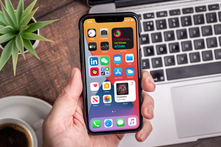 Apple iOS 14.2 causing severe battery drain on older iPhones