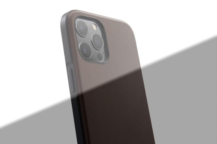 Best Leather Cases for iPhone 12 Pro that You Can Buy
