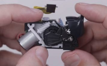 DualSense adaptive trigger teardown 2