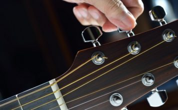 10 Best Guitar Tuner Apps for Android and iOS (Free and Paid)