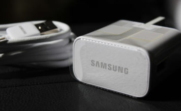Samsung deleted fb post mocking apple for chargers