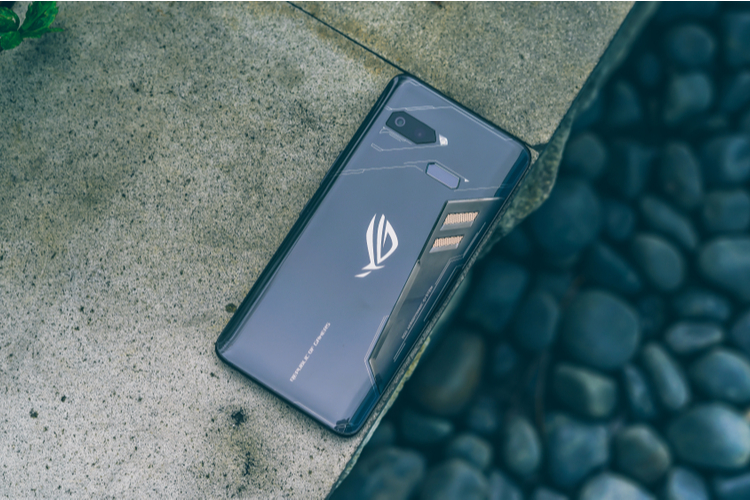 Asus Will Release a New ROG Phone With These Cool Features