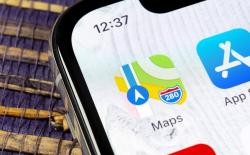 Apple maps allowing user report in Apple Maps