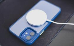 Apple-Is-Making-a-MagSafe-Battery-Pack-for-iPhone-12-Report