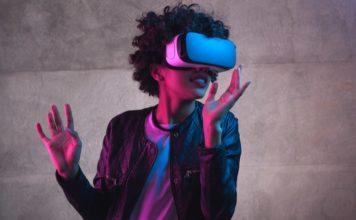 Apple glass to analyze eyes