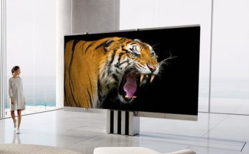 C SEED M1 Is the World´s First Foldable 165-Inch MicroLED TV