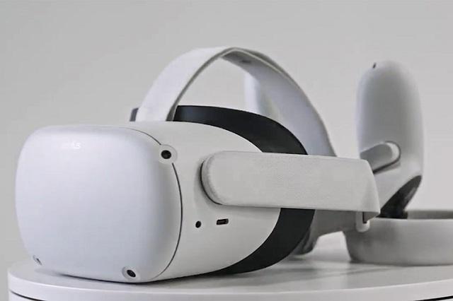 Facebook VR headset