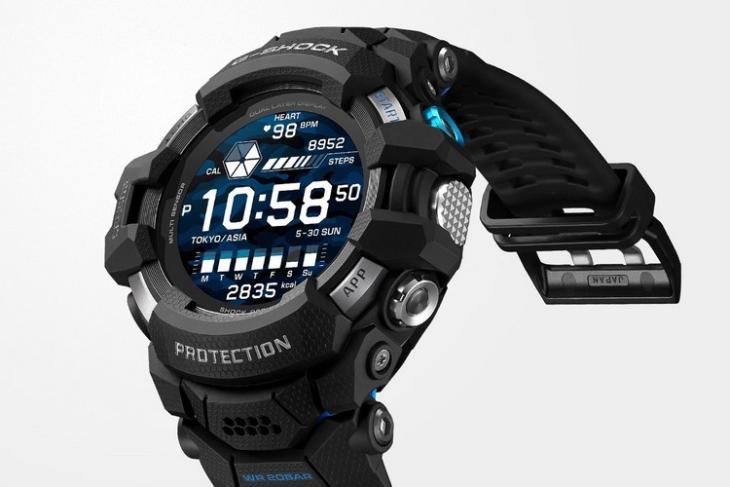 Casio G-Shock smartwatch with Google WearOS 1