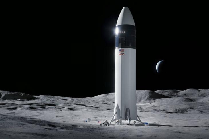 NASA Picks SpaceX to Send Astronauts to the Moon