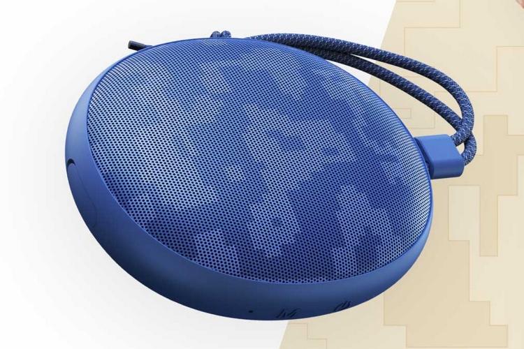 Realmes Cobble Bluetooth Speaker Glows in the Dark