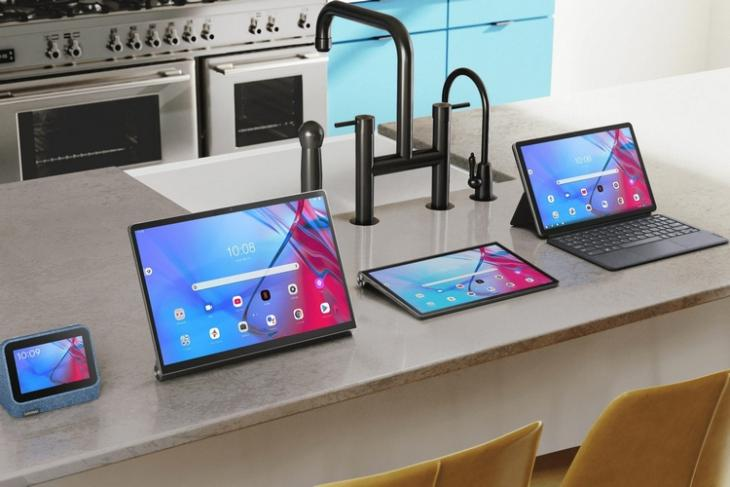 Lenovo Launches Smart Clock 2, Yoga Tab 13, and Other Tablets