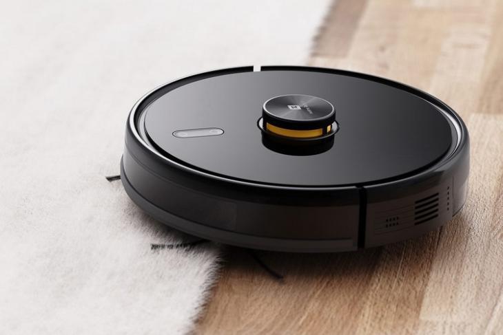 Realme Techlife robot vacuum cleaner