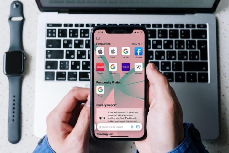 how to customize Safari start page in iOS 15