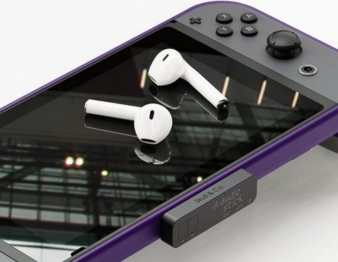 This Nifty Bluetooth 5.0 Dongle Lets You Connect Your AirPods to Your Nintendo Switch